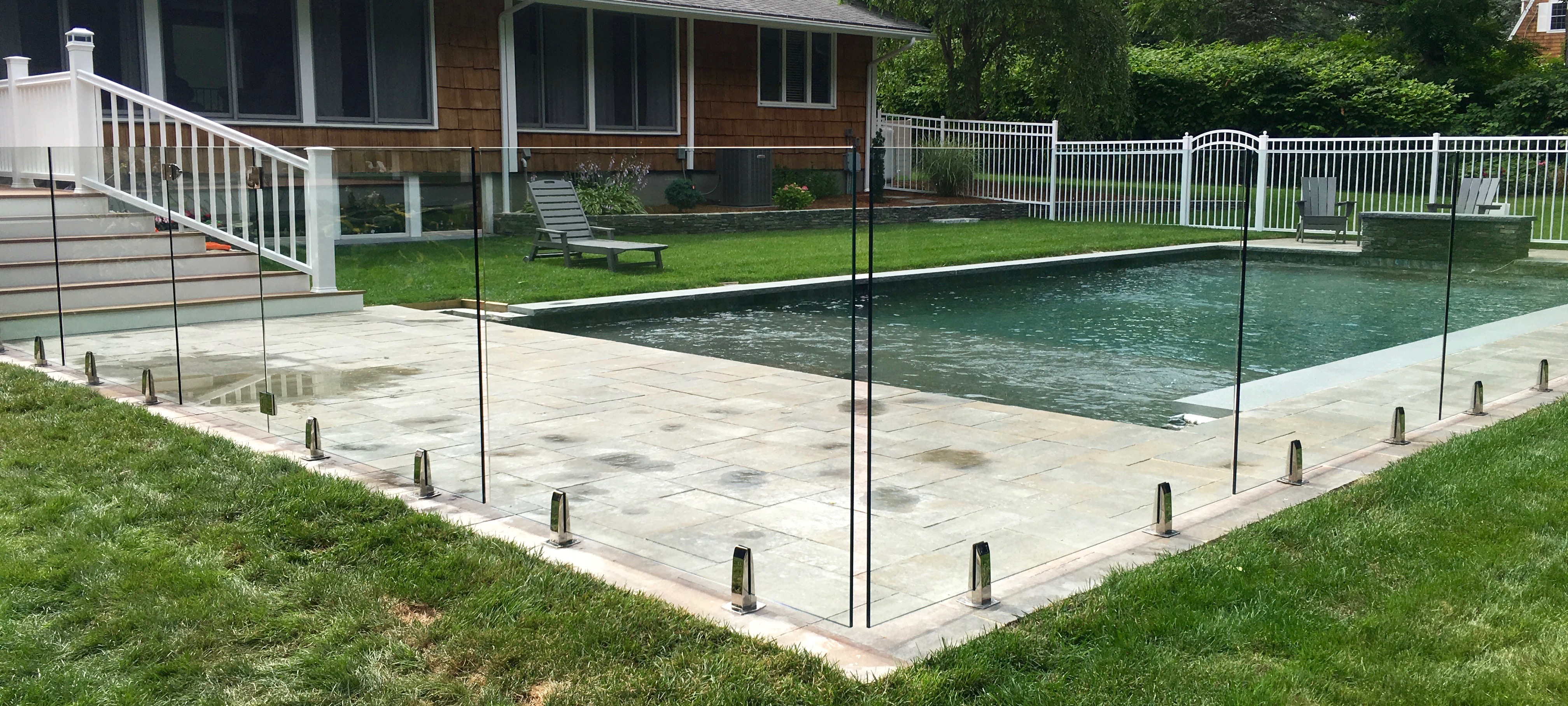 how to build a glass pool fence